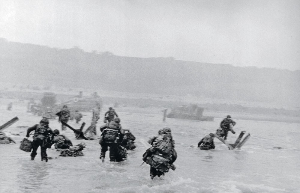Robert Capa, D-Day landing